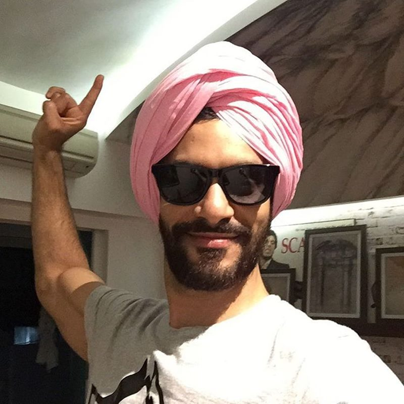 10 Hot Pictures of Angad Bedi that will make you wish he was your man!- Angad Turban