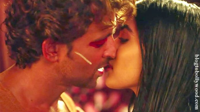 Is this fair? Censor clears Mohenjo Daro without any cuts, Hrithik-Pooja's 3 steamy kisses approved!