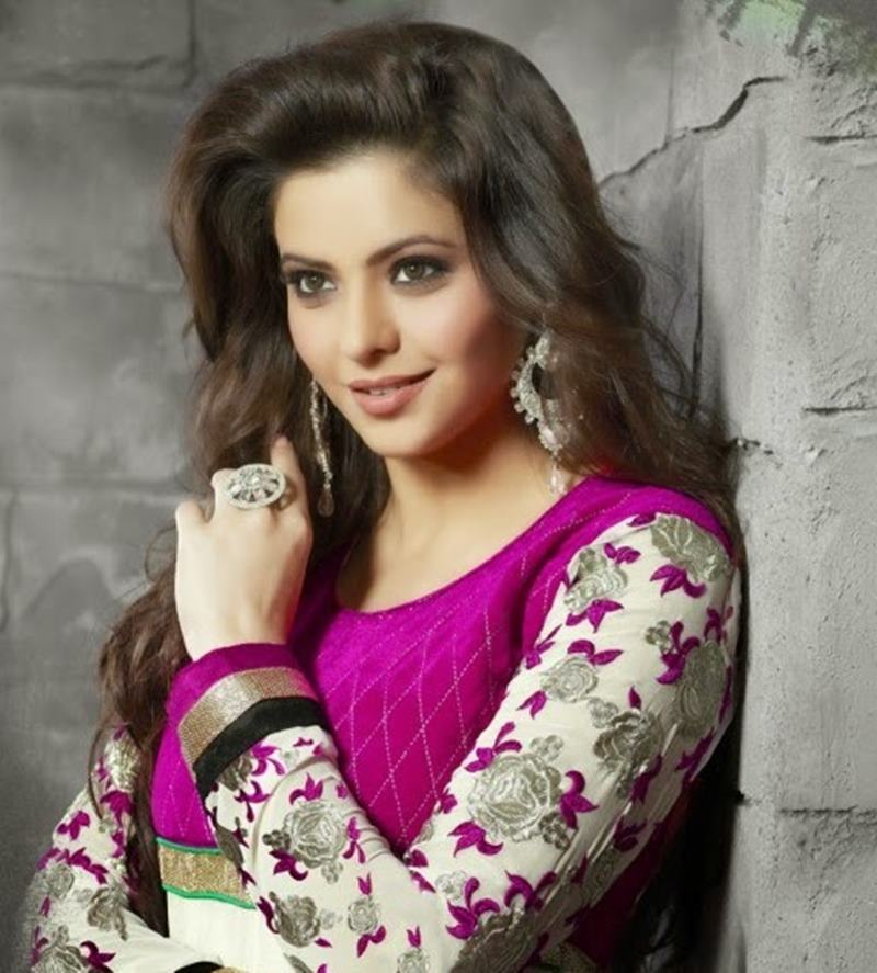 10 Actresses who paved their way from TV to Bollywood- Aamna Sharif