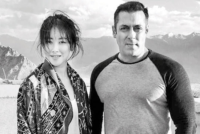 Chinese Actress Zhu Zhu Wraps Up Tubelight, Bid Farewell To Salman Khan