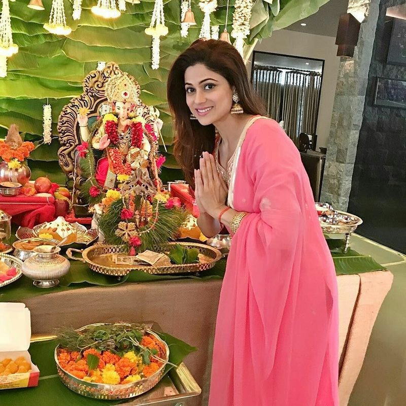 Pictures | Bollywood Celebs welcome Ganpati Bappa into their homes!- Shamita Shetty