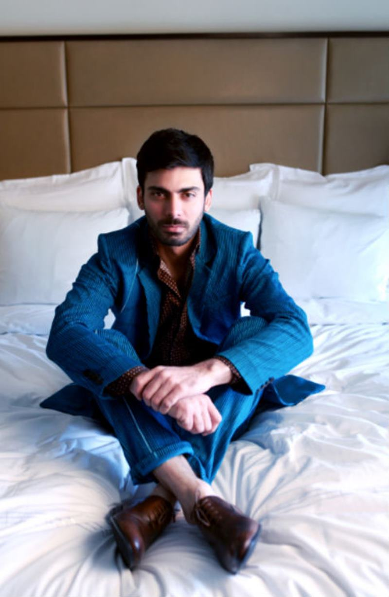 10 Hot Pics of Fawad Khan that will make you swoon- Fawad bed