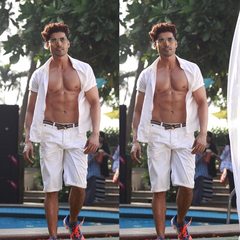 15 Hot Pics of Gurmeet Choudhary that are enough to set fire on your screens- Gurmeet Double
