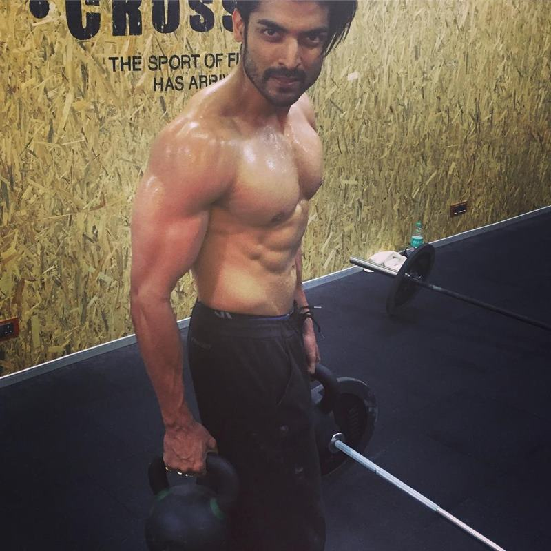 15 Hot Pics of Gurmeet Choudhary that are enough to set fire on your screens- Gurmeet Gym 1
