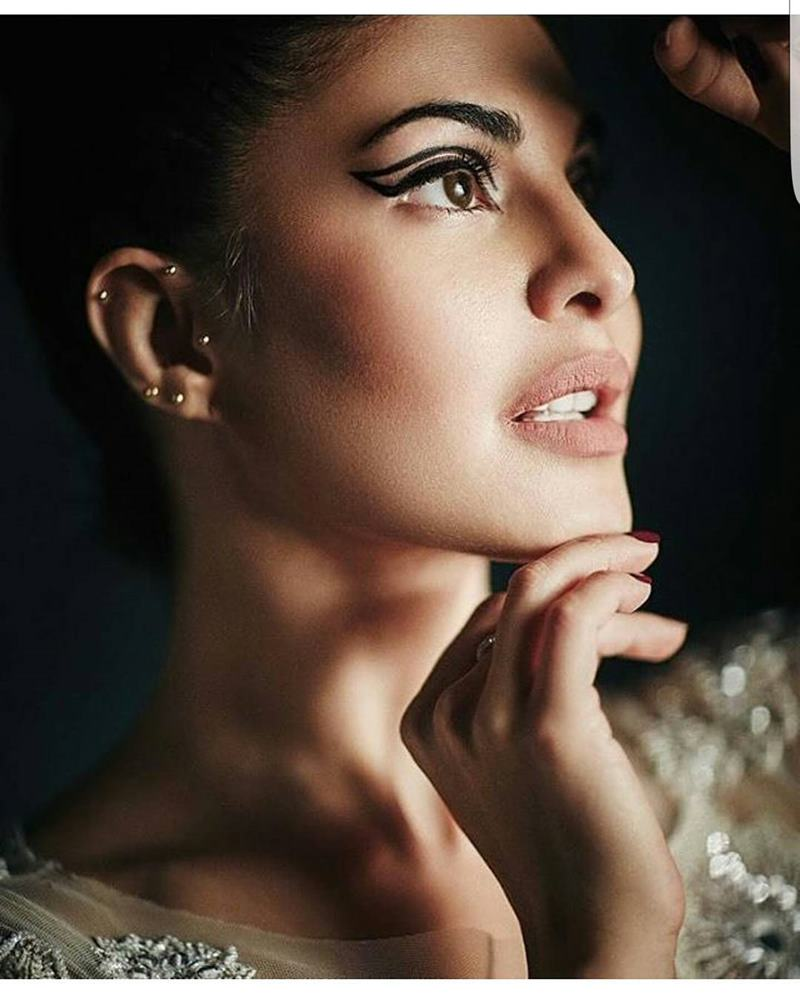 Jacqueline Fernandez blings in the new cover of L'Officiel India!- Jacky 2