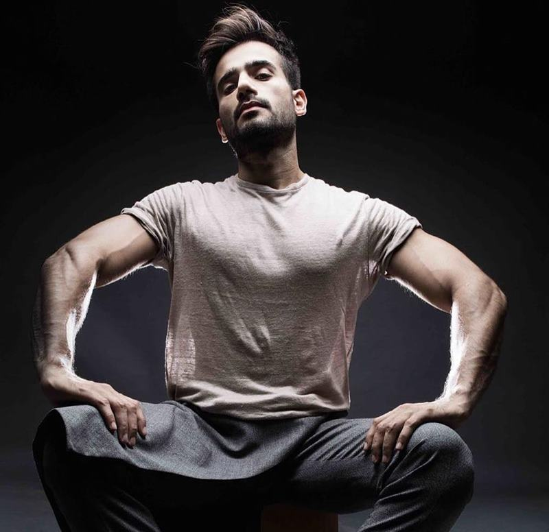 15 Pictures of Karan Tacker that will make your day brighter than it already is!- Karan Shoot 3