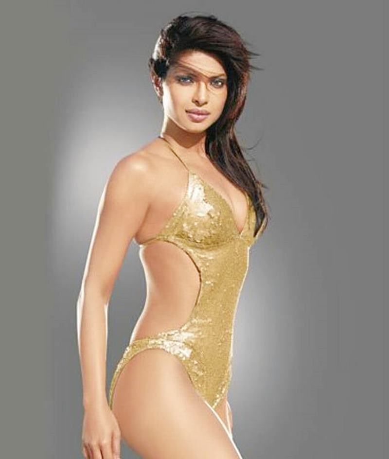 15 Hot Pics of Priyanka Chopra that are enough to set your heart racing! Priyanka bikini