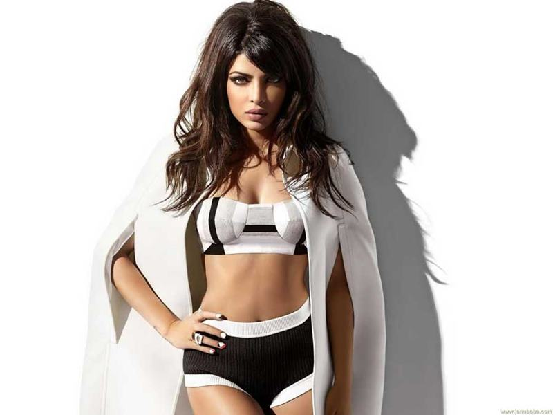 Priyanka Chopra Hot Pics: 20 Pictures of PC that are enough to set your heart racing! Priyanka Shoot 4