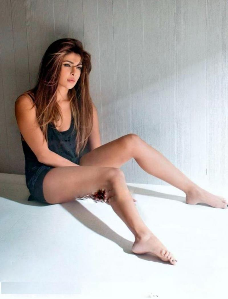 Priyanka Chopra Hot Pics: 20 Pictures of PC that are enough to set your heart racing!- Priyanka sitting