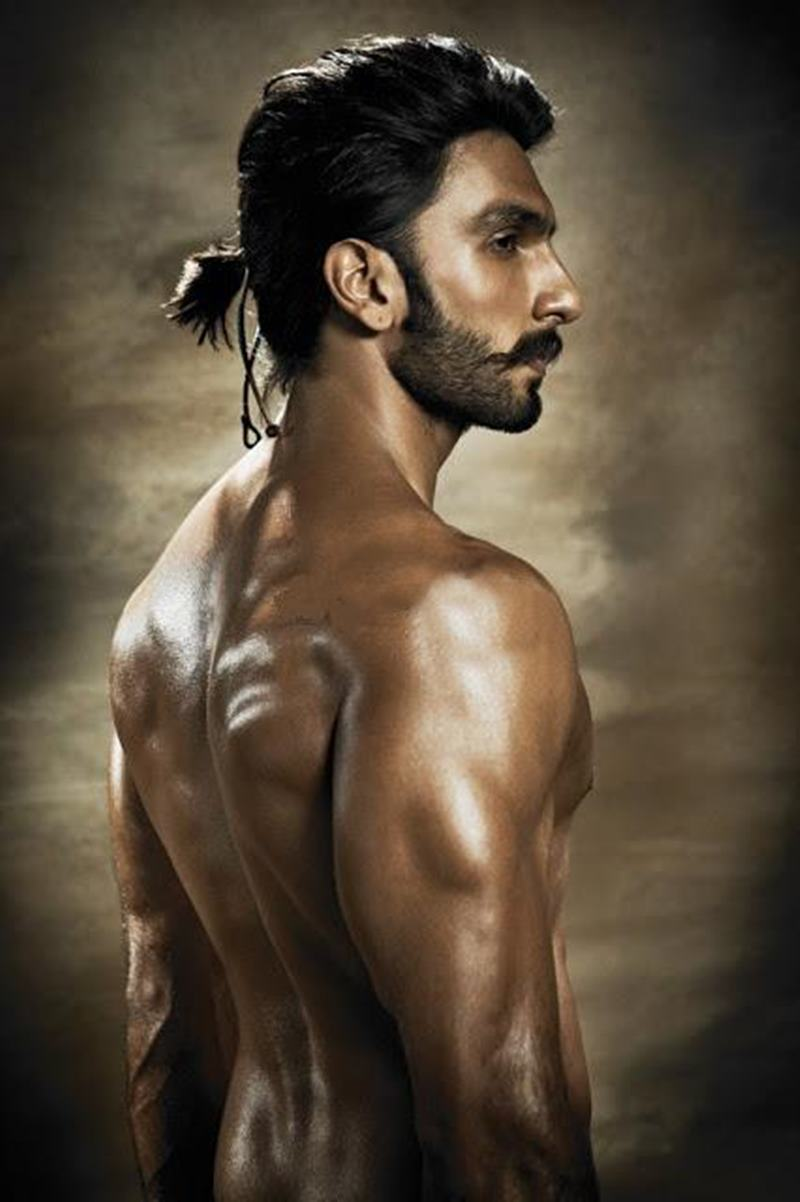 10 Hot Pics of Ranveer Singh that are as abalicious as it can get!- Ranveer Back