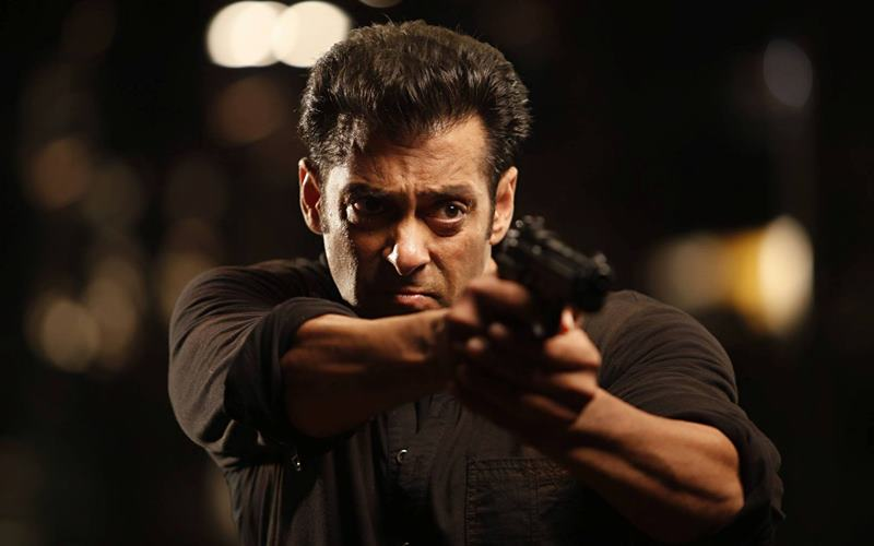 Salman Khan Files A 100 Crore Defamation Case Against TV Channel