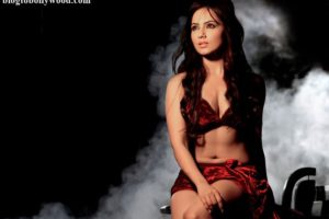 10 Hot Pics of Sana Khan that bring out the oomph in her!