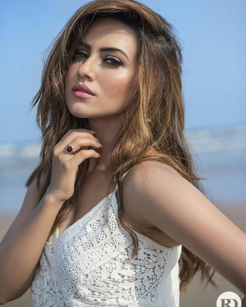 10 Hot Pics of Sana Khan that bring out the oomph in her!- Sana Shoot 3