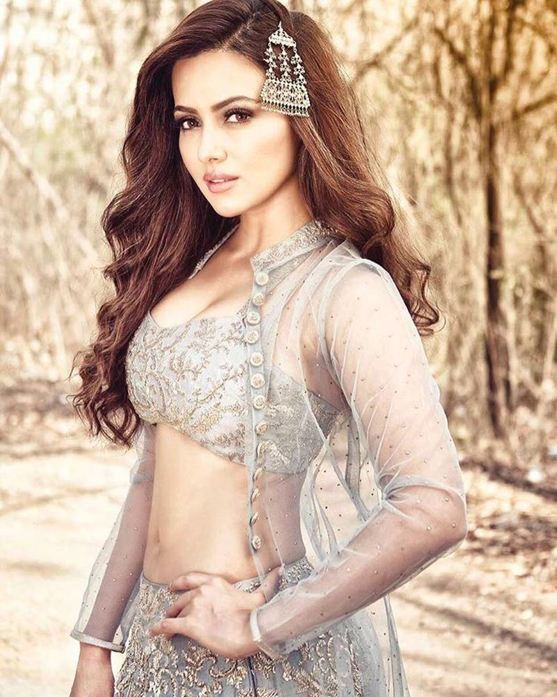 10 Hot Pics of Sana Khan that bring out the oomph in her!- Sana Shoot 5