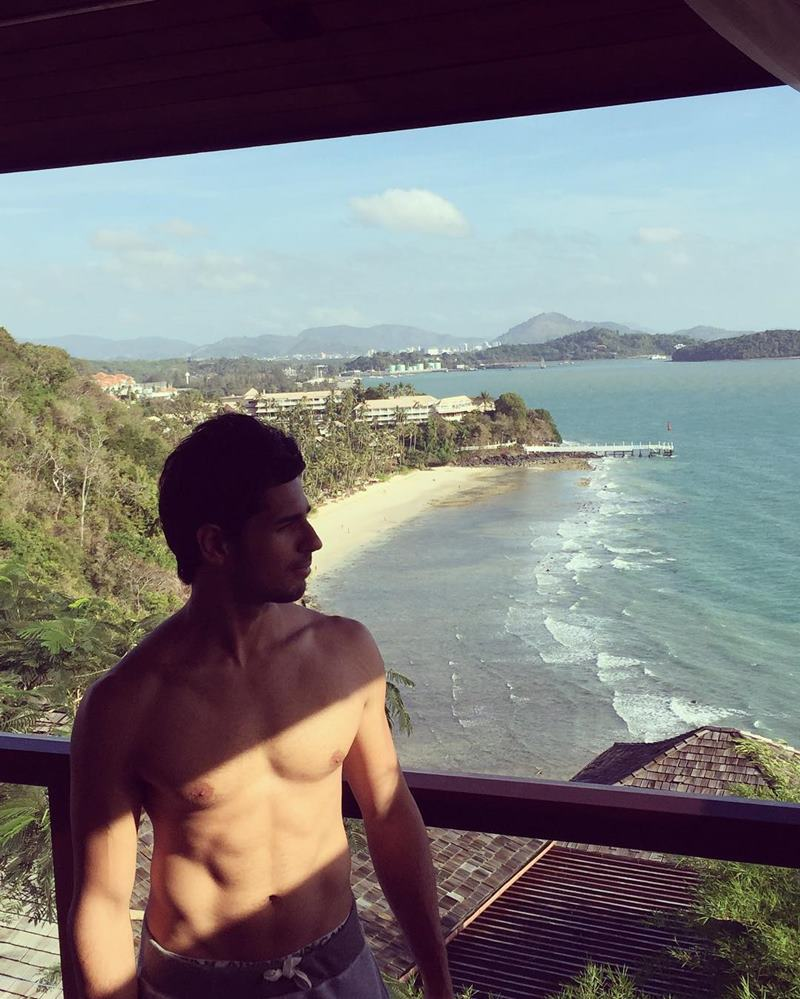 15 Hot Pics of Sidharth Malhotra that justify his hotness to some level- Sid holiday