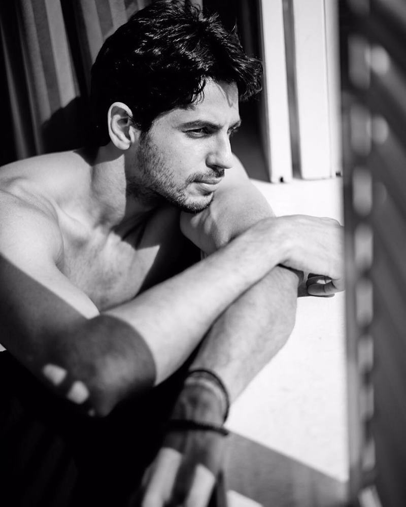 15 Hot Pics of Sidharth Malhotra that justify his hotness to some level- Sid side