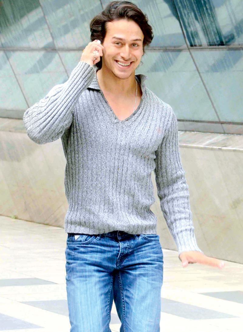 Hurry Up! Vote for the Cutest Bollywood Actor now!- Tiger