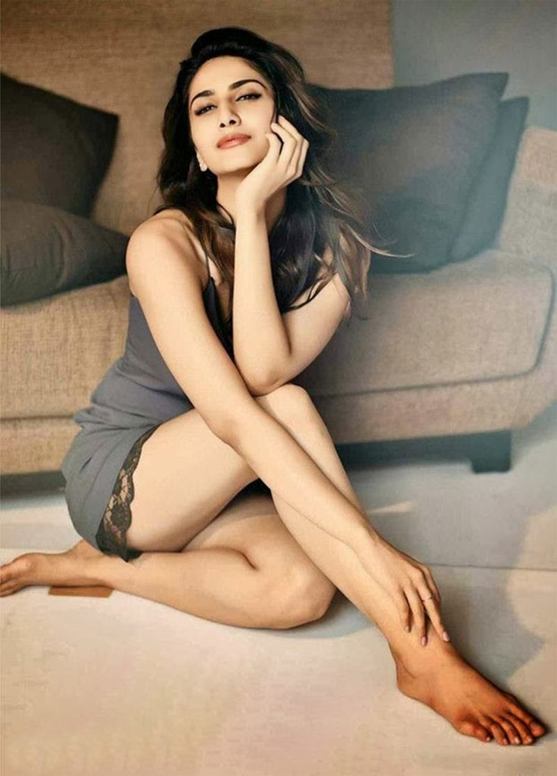 10 Hot Pics of Vaani Kapoor that will ignite the fire within your hearts!- Vaani Shoot 2