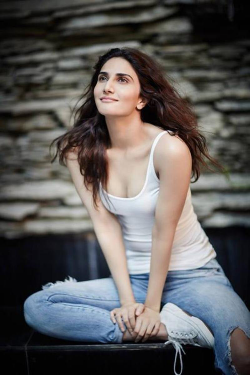 10 Hot Pics of Vaani Kapoor that will ignite the fire within your hearts!- Vaani Shoot 5
