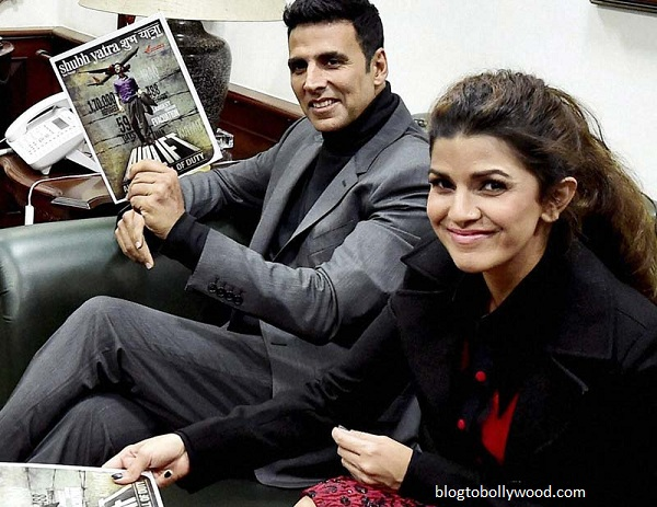 Akshay KUmar and Nimrat Kaur in 'Airlift'
