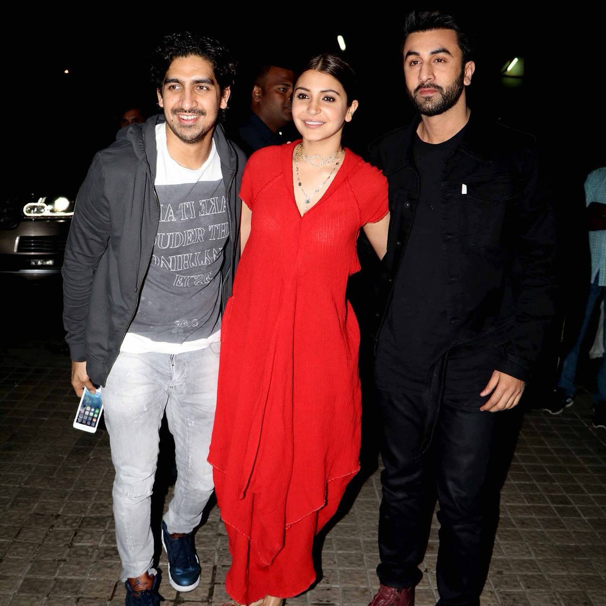 Lead actors of 'ADHM' Anushka Sharma and Ranbir Kapoor with Ayan Mukehrjee