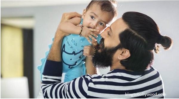 Riteish Deshmukh shares second son Rahyl's pic!
