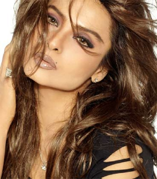 Happy 62nd Birthday Rekha - Rekha 3