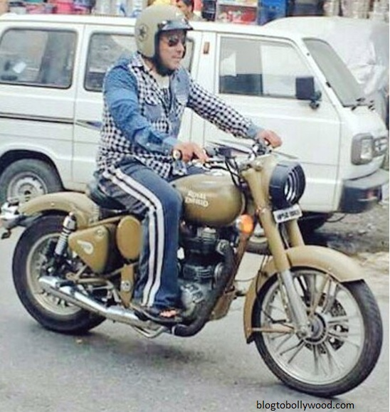 Salman Khan enjoying a bike ride while shooting for 'Tubelight'