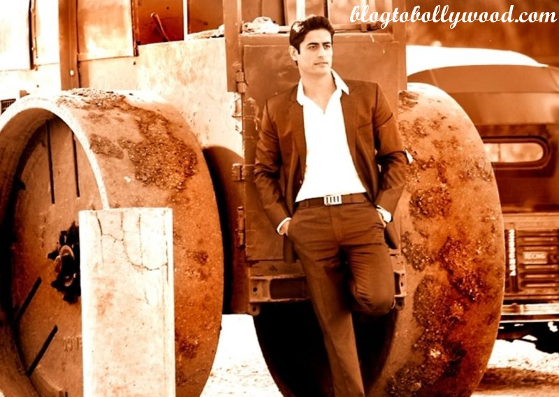 10 Hot Pics of Mohit Raina that will make you swoon over his manly ways!