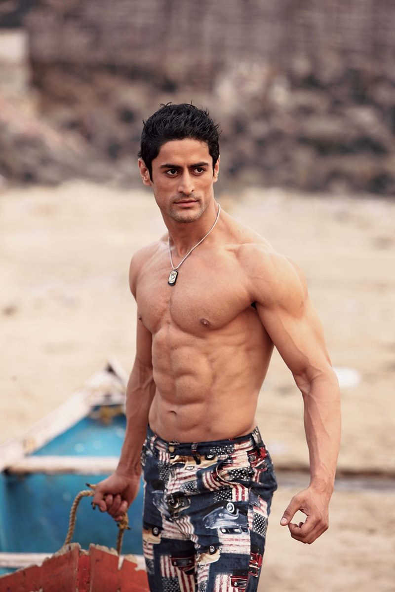 10 Hot Pics of Mohit Raina that will make you swoon over his manly ways!- Mohit abs 1