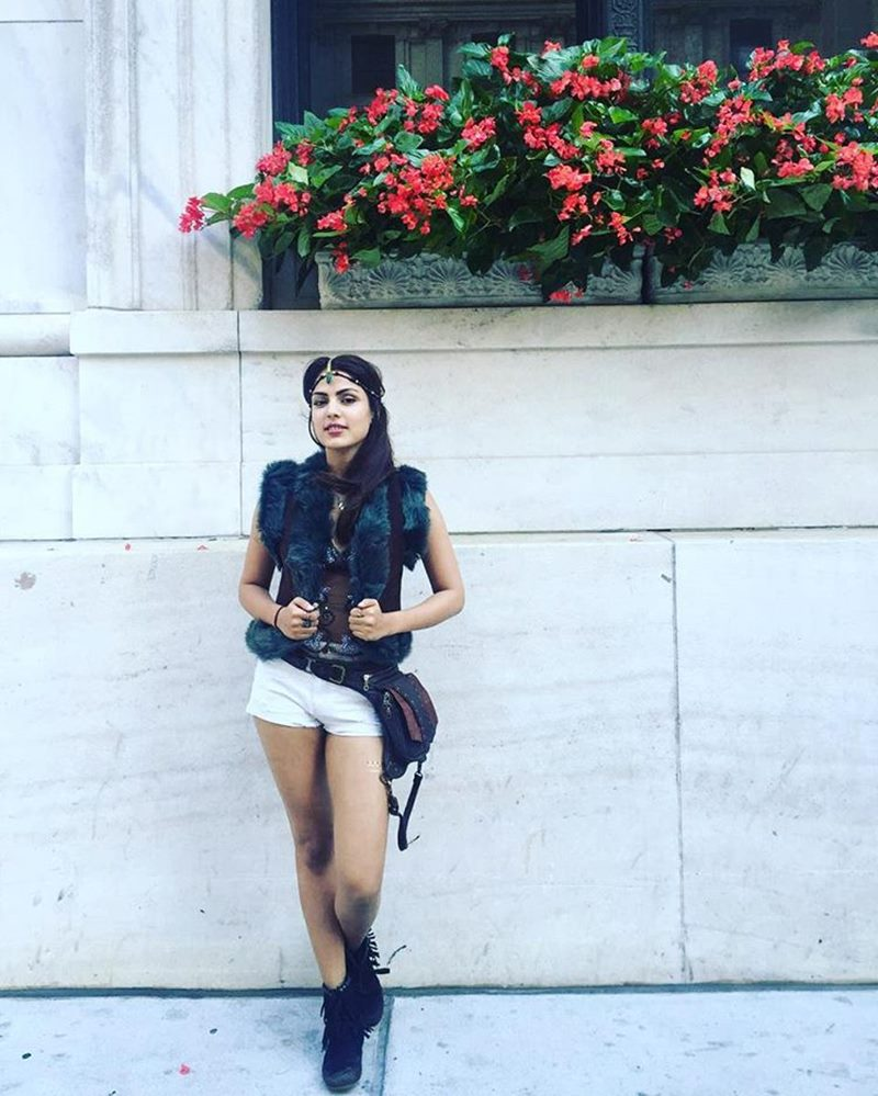 10 Hot Pics of Rhea Chakraborty that you need to see!- Rhea travel