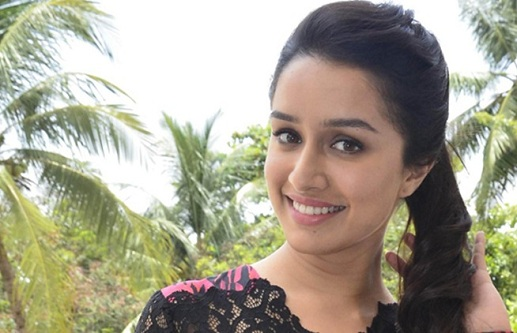 Shraddha Kapoor gets a visit from Dawood Ibrahim's family at Mehboob Studios