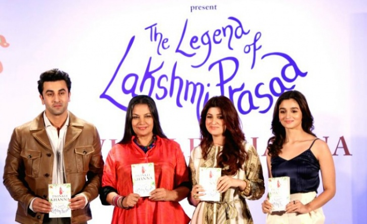 Ranbir Kapoor, Shabana Azmi, Twinkle Khanna and Alia Bhatt pose for the shutterbugs