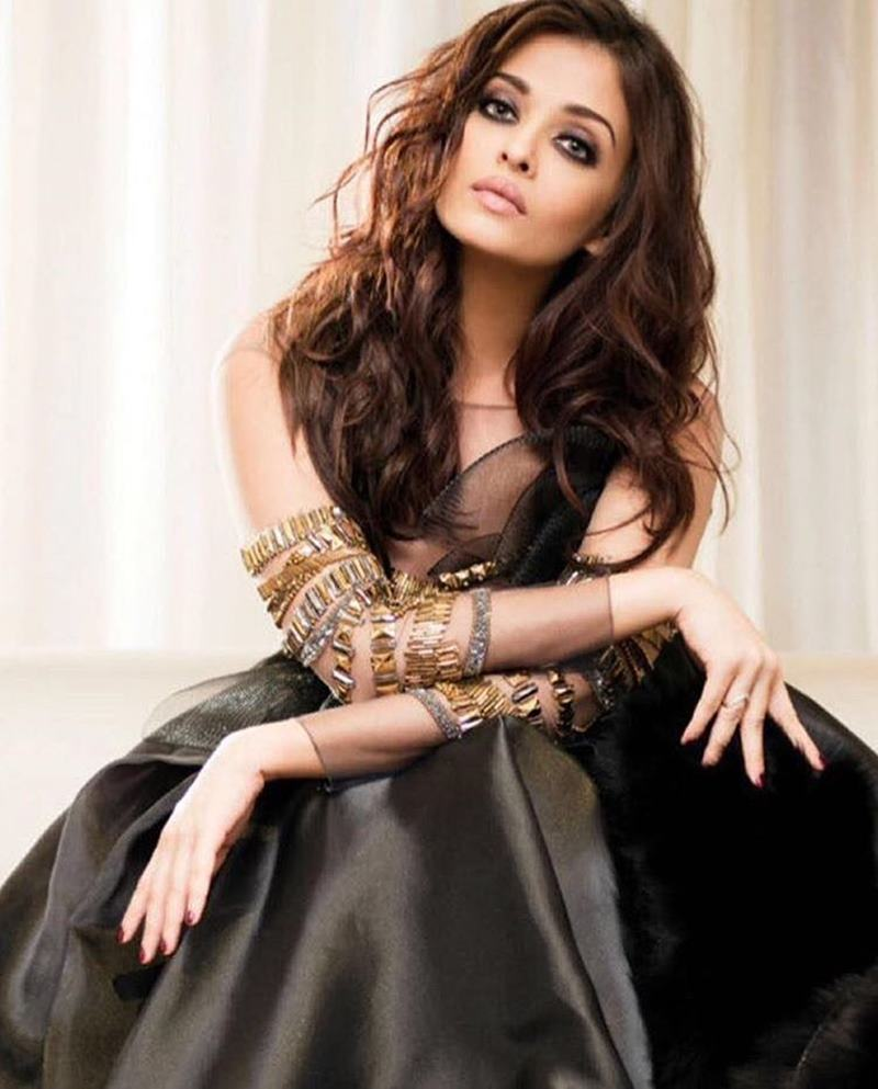 This photoshoot of Aishwarya Rai Bachchan proves that she is ageing like wine!- Aish Femina 2