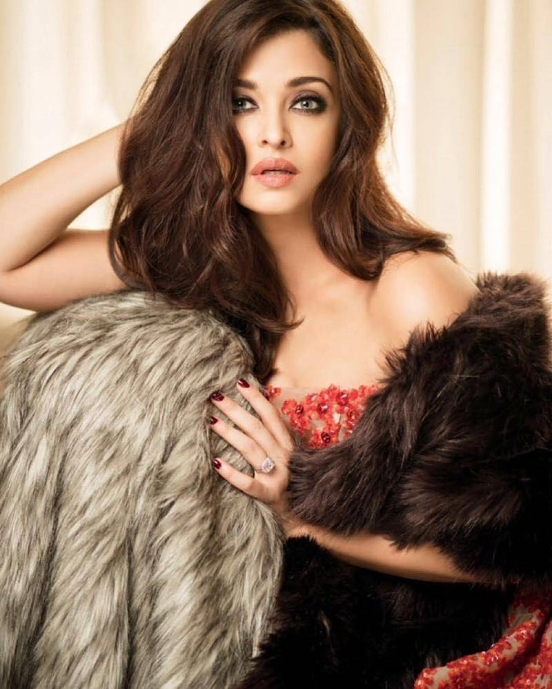 This photoshoot of Aishwarya Rai Bachchan proves that she is ageing like wine!- Aish Femina 5