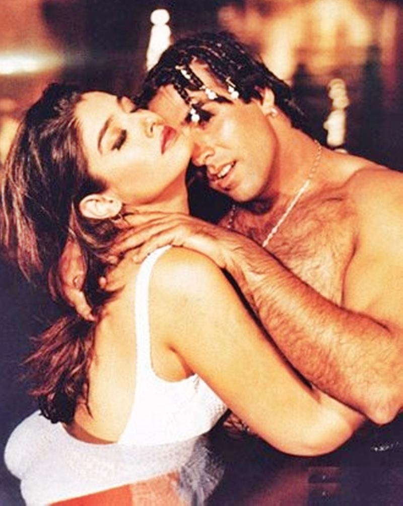 Co-actresses Akshay Kumar looks best with!- Akki Raveena