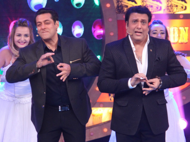 Salman and Govinda dancing on partner sets