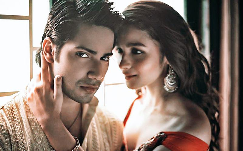 10 Pics of Varun Dhawan and Alia Bhatt which prove they make the cutest B-Town couple!- Alia-Varun 9