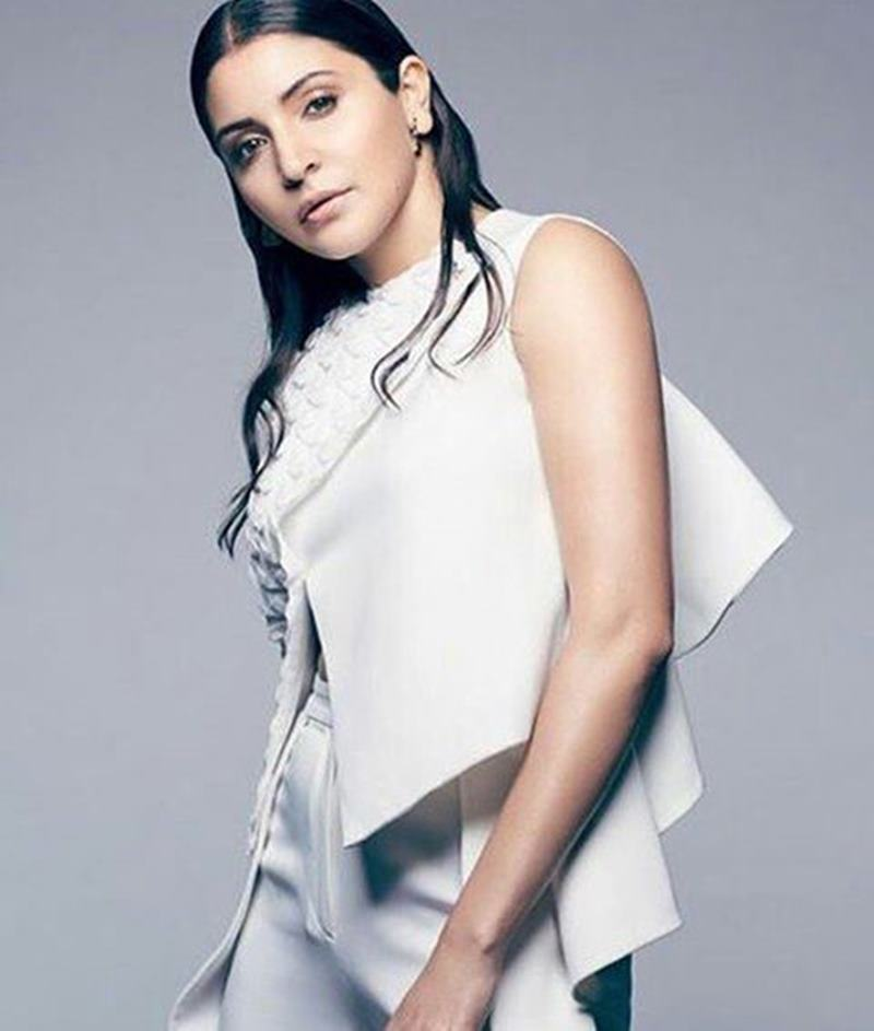 Woah! Anushka Sharma's photo-shoot for Hello! magazine is just so amazing- Anushka Hello 1