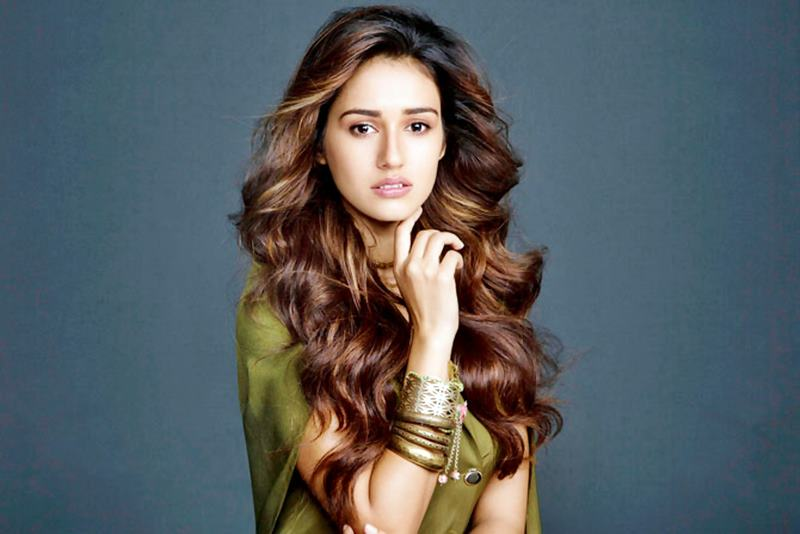 Nope, Disha Patani won't be replacing Sara Ali Khan in Student Of The Year 2