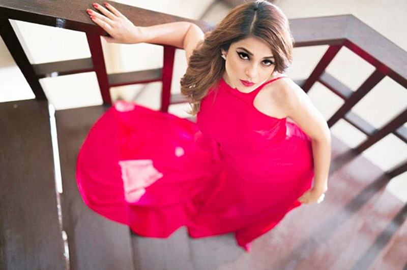 Check out these super-hot pics of Jennifer Winget from her latest photo-shoot- Jennifer 3