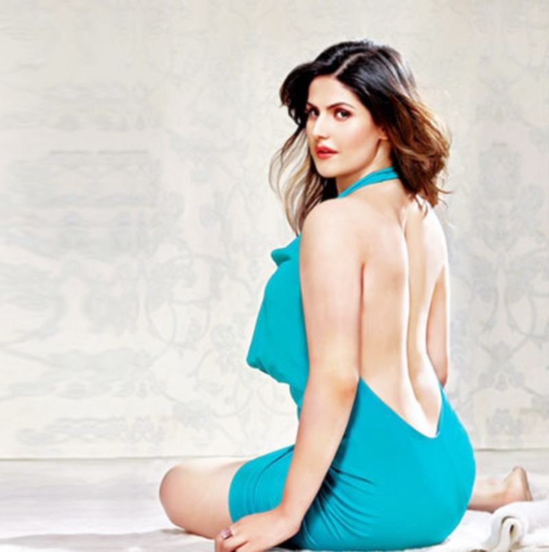 10 Hot Pics of Zareen Khan which prove that curves are super-hot!- Zareen 3
