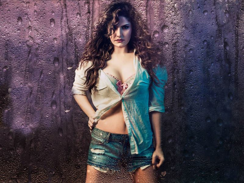 15 Hot Pics of Zareen Khan which prove that curves are the new sexy