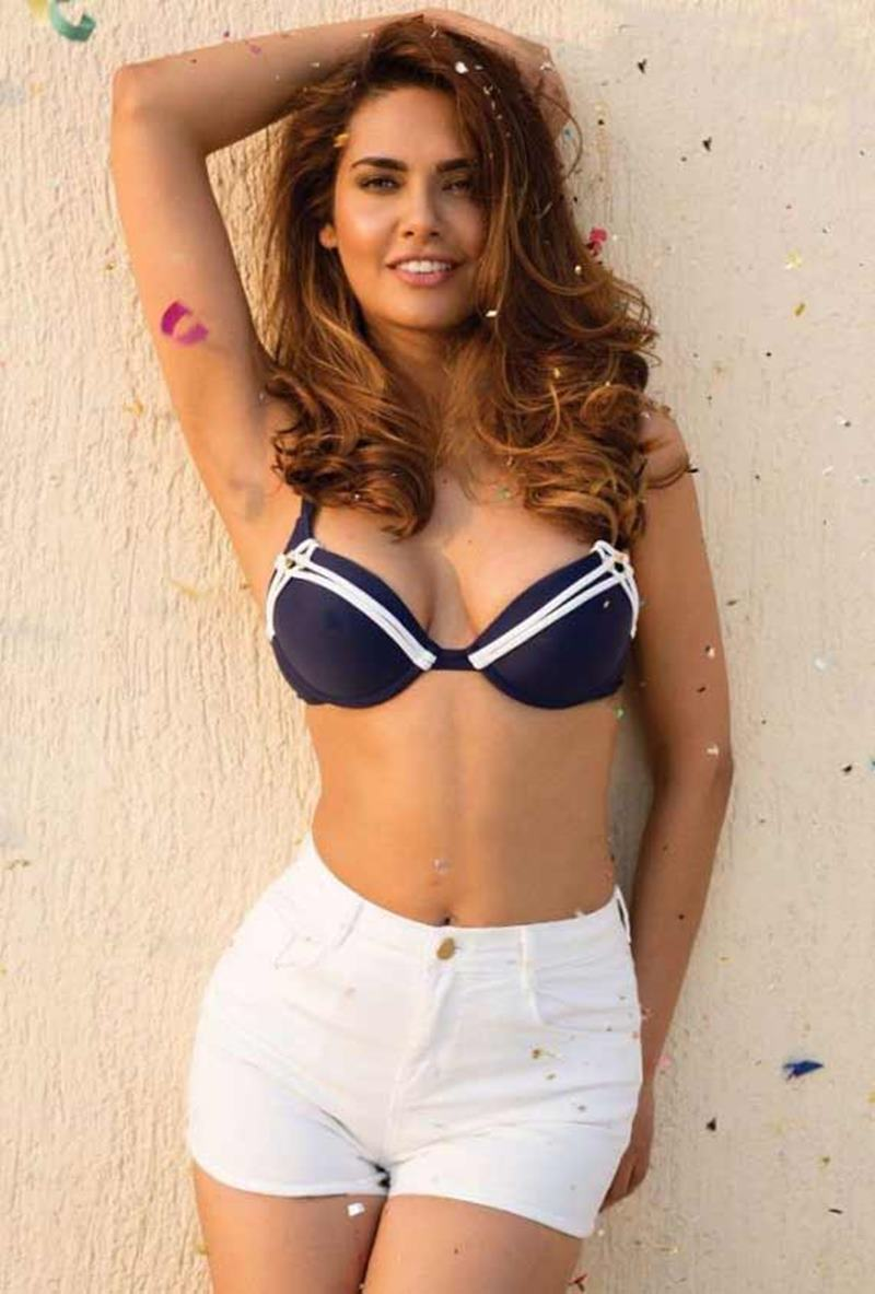These Esha Gupta Hot Pics will make you feel the heat this summer!-2