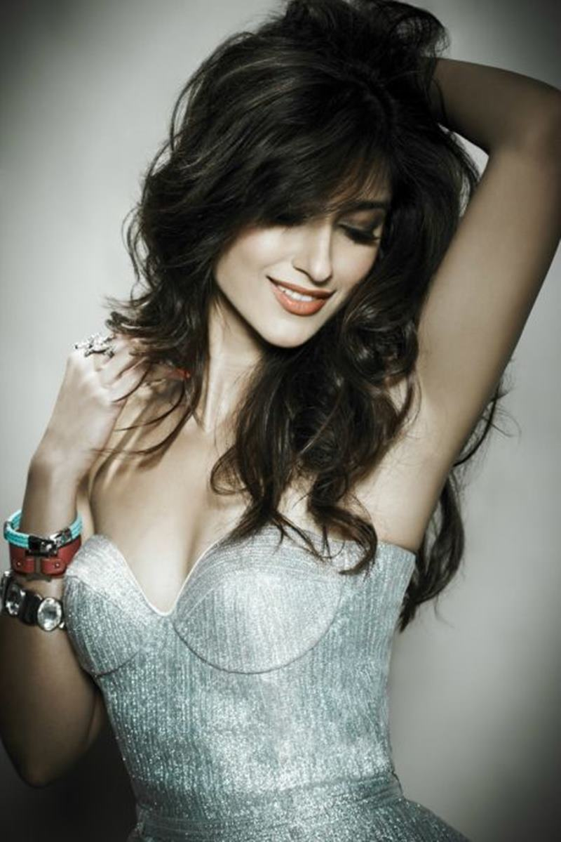 These Hot Pics of Ileana D'Cruz will definitely make your day get hotter!2