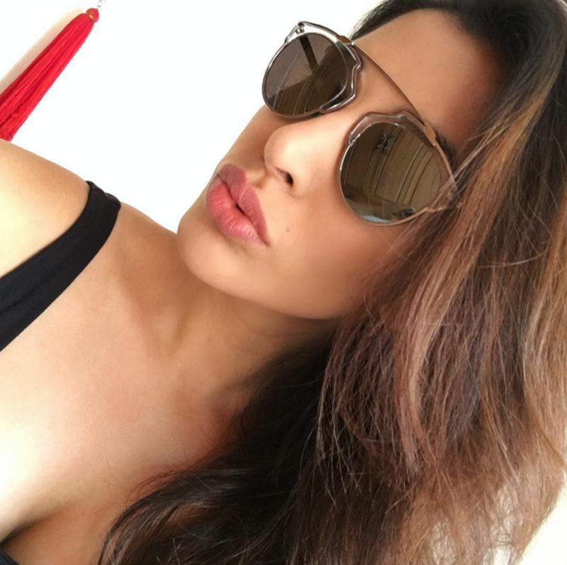 Here are some super hot pics of Sophie Choudry, the multi-talented lady of Bollywood!16