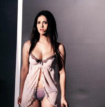 Sunny Leone in Ragini MMS 2 promo