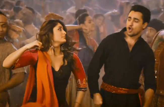Chingam Chabake Video Song from Gori Tere Pyaar Mein