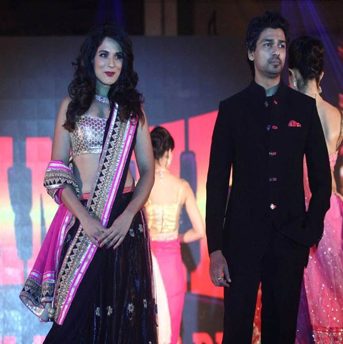 Tamanchey Promotions : Richa and Nikhil as Showstoppers