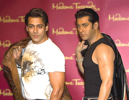 Salman Khan poses with his Wax Statue at London